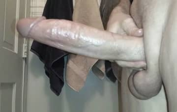 jerking a very long long monstercock