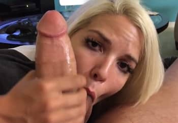 Blonde Gives A Hot Blowjob On Boyfriend Big Dick