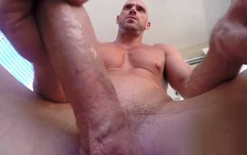 how big is johnny sins dick